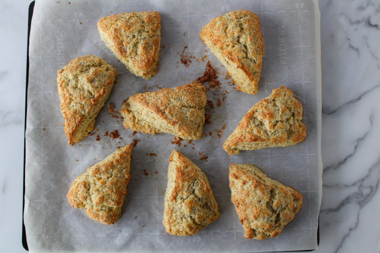 grapefruit-scone-wide-shot